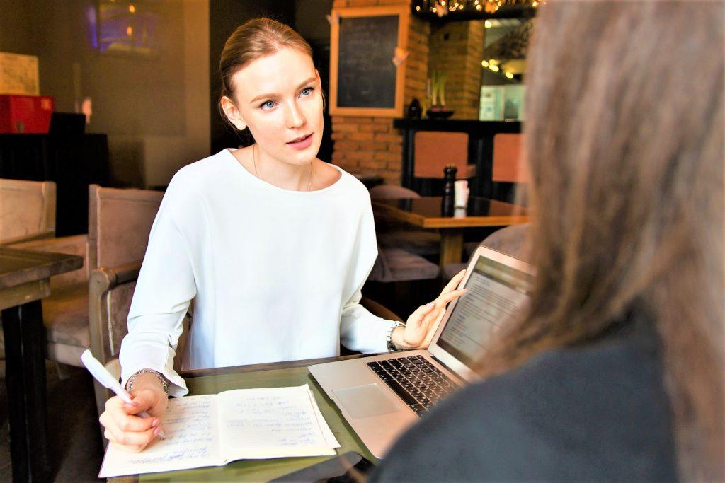 consuelor aiuto tecnica dialogo persona colloquio corso on line comunicazione non verbale consulto on line