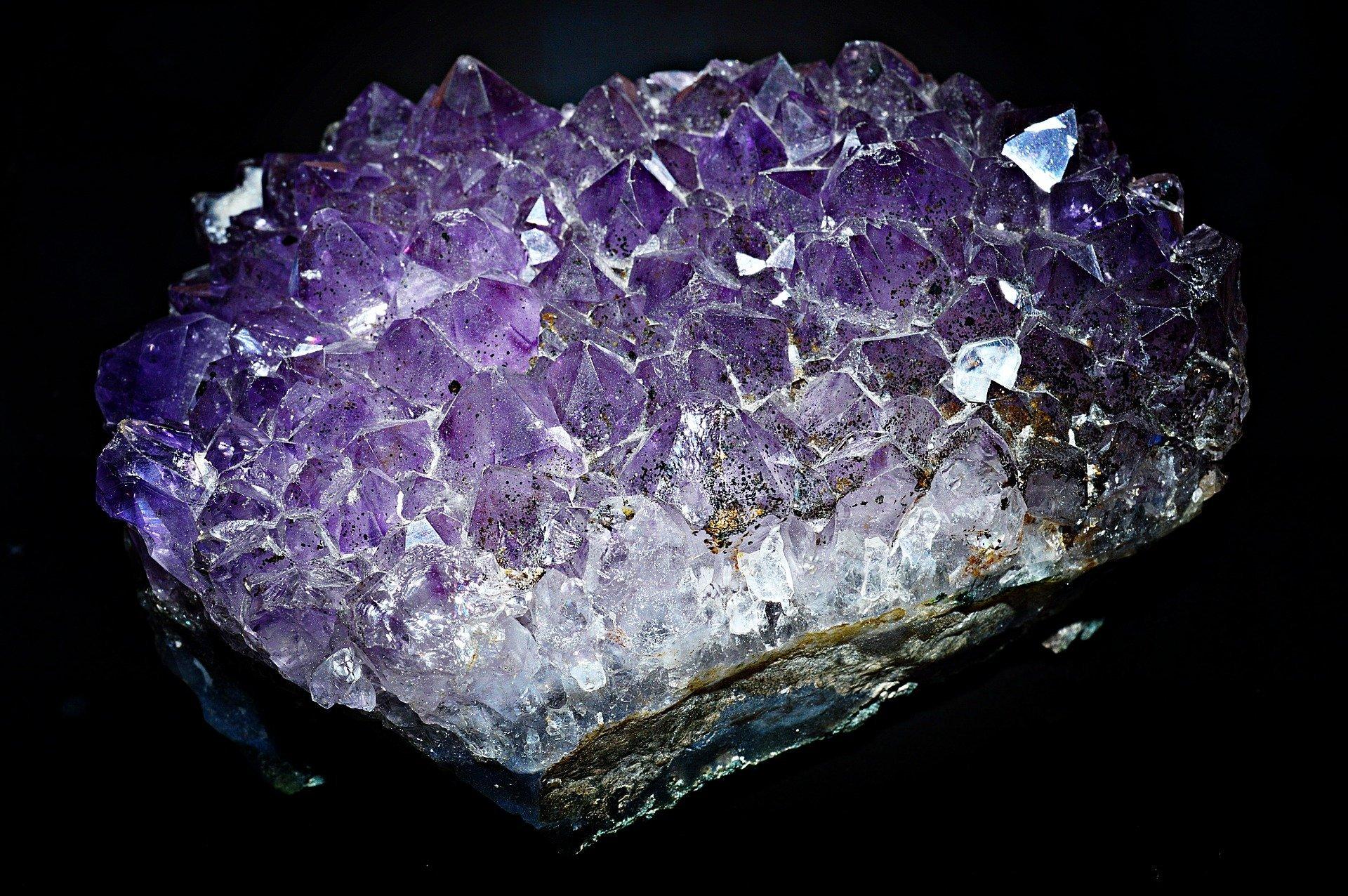 geoda geode ametista quarzo cristallo di rocca ialino cristalloterapia corso on line D.A.S.P. scuola operatori olistici