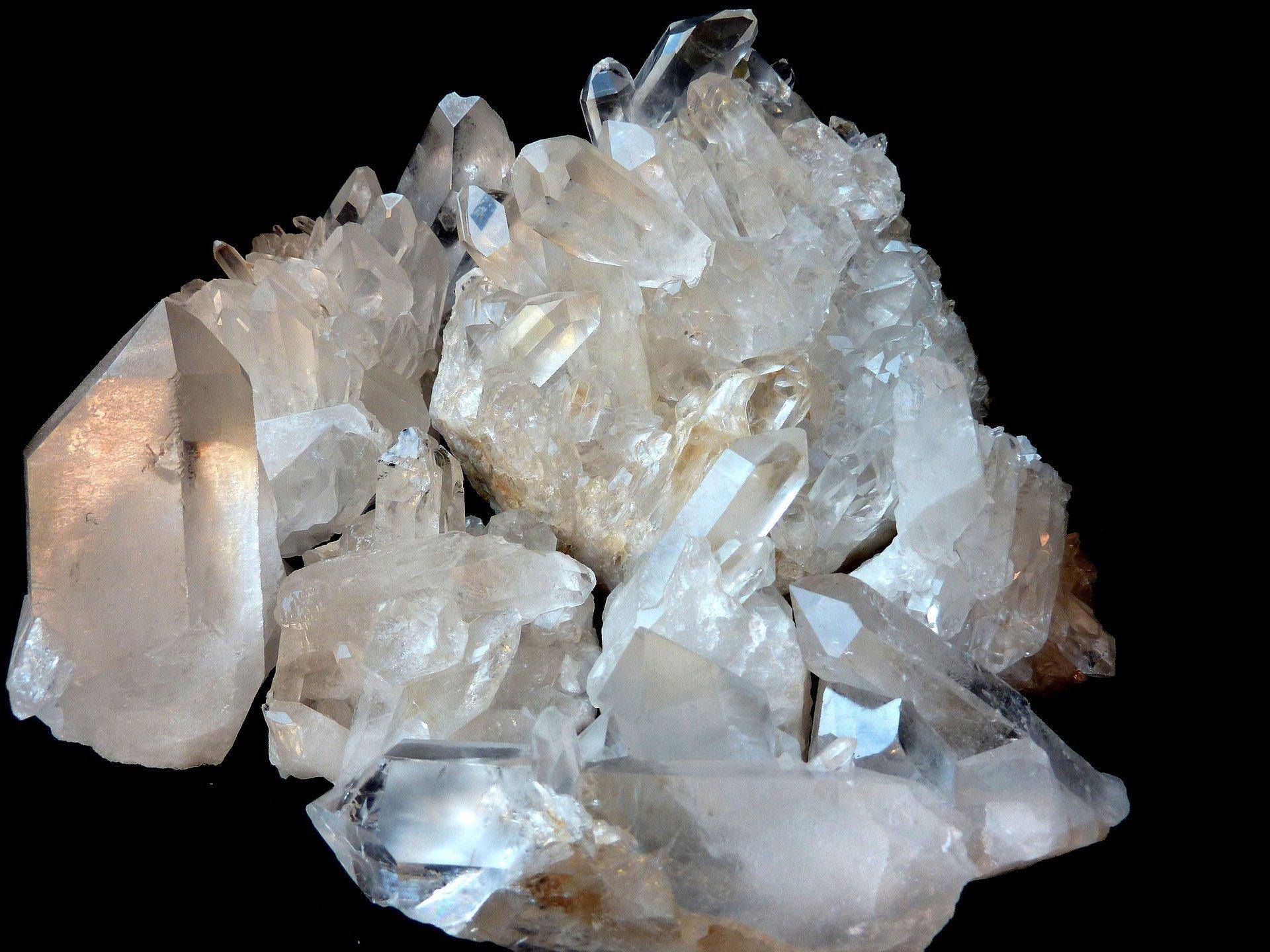 geoda geode apofillite quarzo cristallo di rocca ialino cristalloterapia corso on line D.A.S.P. scuola operatori olistici
