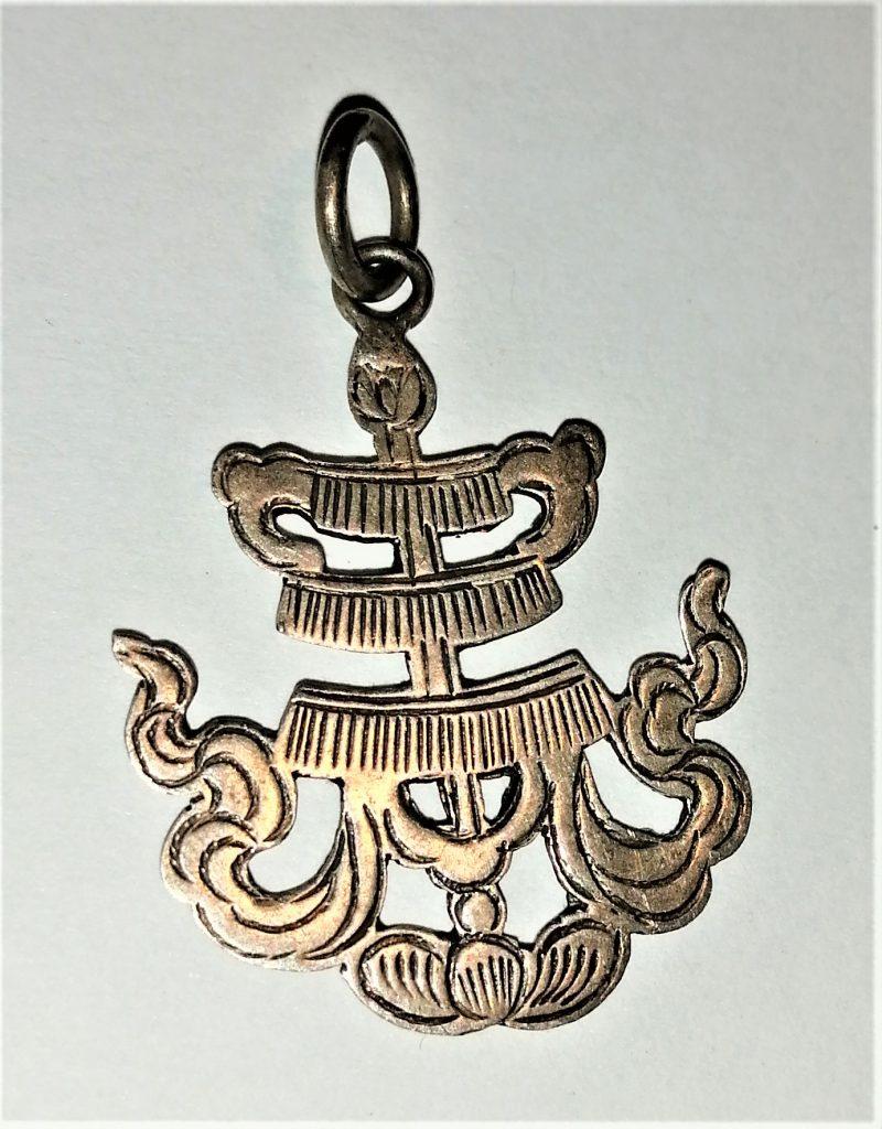 ciondolo Tibet argento buon auspicio ruota del dharma nodo infinito vaso che esaudisce desideri