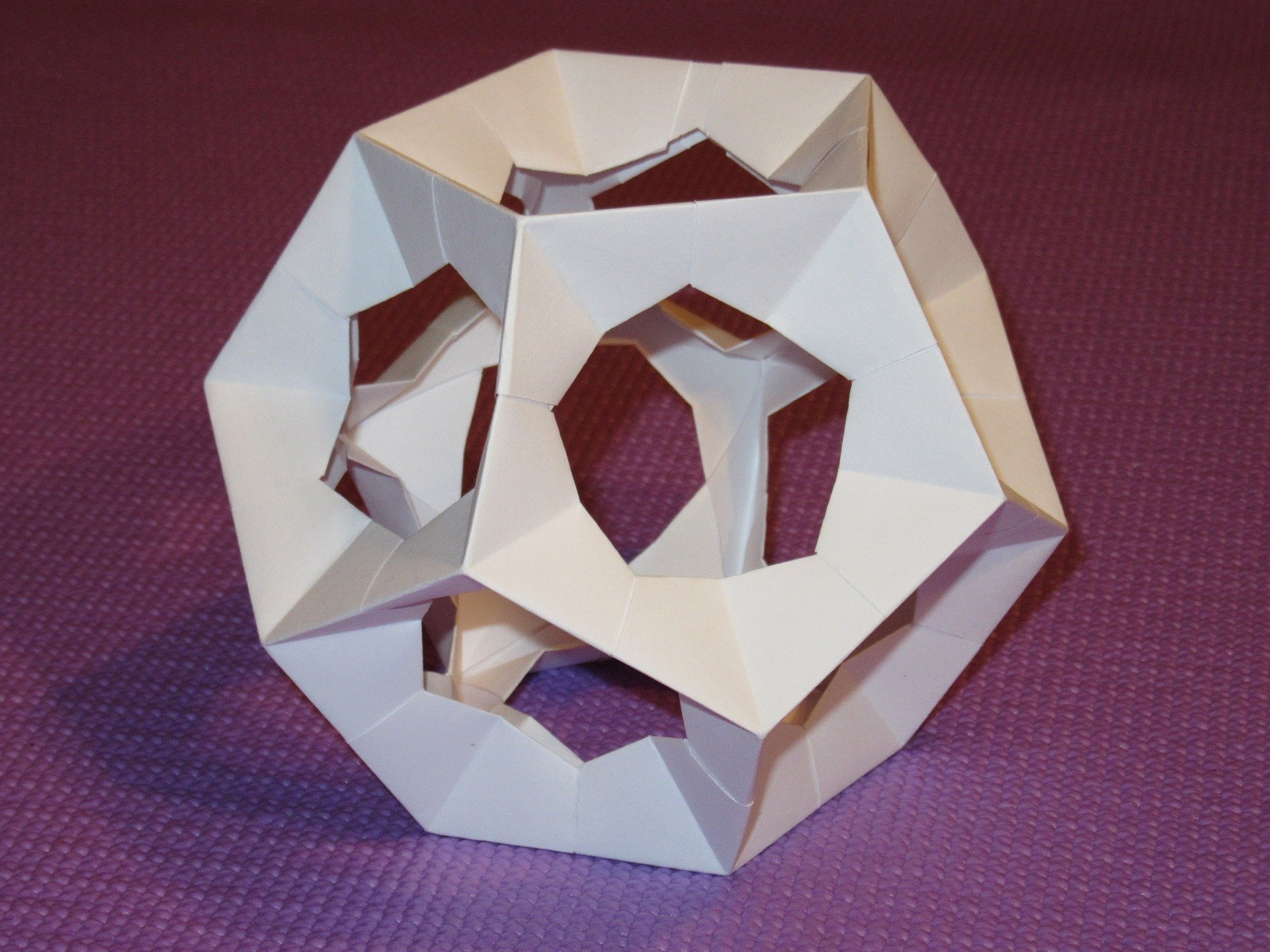 dodecahedron-595722_1920